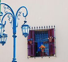 "Lamp Post in ""La Boca"". The rainbow city by Mariano57"