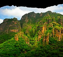 Tepozteco by Skip Hunt