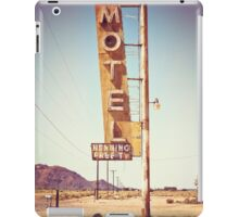 Motel Sign on the Route 66 iPad Case/Skin