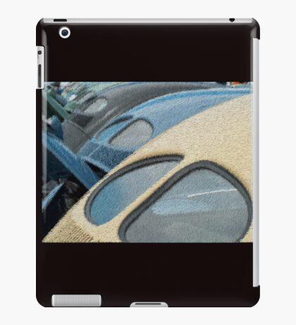 Split Window Bug iPad Case/Skin