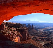 Mesa Arch, Canyonlands National Park. Utah. USA by photosecosse /barbara jones