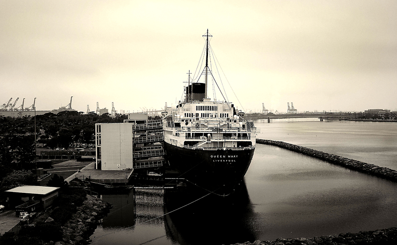 Queen Mary by lensoverture