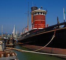 Tug Boat - Hercules, San Francisco by Rick Box