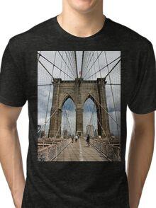 Brooklyn Bridge, Manhattan, New York, USA Tri-blend T-Shirt