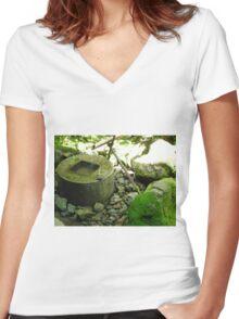 Zen garden Women's Fitted V-Neck T-Shirt