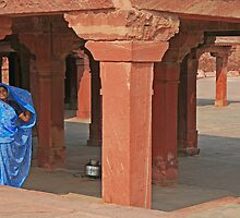 Woman at Fatehpur Sikri by pennyswork