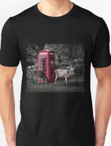 Deers @ Red Telephone Box (Kiosk 6) Unisex T-Shirt