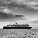 Queen Mary 2 mono by Grant Glendinning