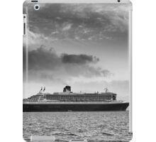 Queen Mary 2 mono iPad Case/Skin