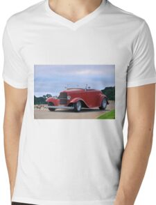 1932 Ford 'Classic Hot Rod' Roadster Mens V-Neck T-Shirt