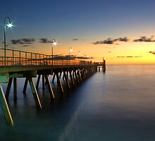 Glenelg Beach by Kelvin  Wong