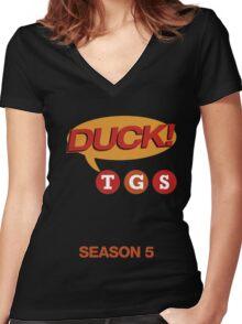 """30 Rock """"Duck!"""" T-shirt Women's Fitted V-Neck T-Shirt"""