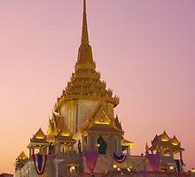 Wat Traimit  by openyourap