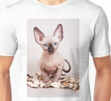 Sphynx kitten with blue eyes, no hair Unisex T-Shirt