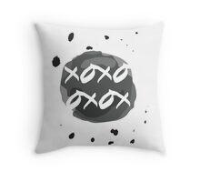 xoxo drops Throw Pillow