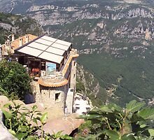 The House on the Mountain by biddumy