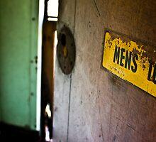 Restroom by Daniel Peut
