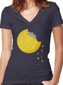 """If I could take a mouse to the moon…"" Women's Fitted V-Neck T-Shirt"