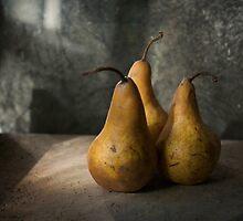 Trois Pears by Jill Ferry