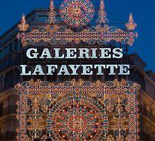 Galeries Lafayette Chrismas lights by parischris