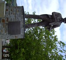 Tommy Cooper Statue - Caerphilly by anaisnais