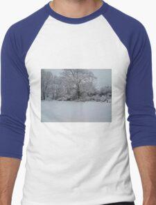 Snowy Scene Men's Baseball ¾ T-Shirt