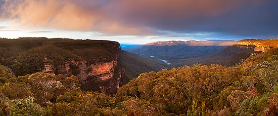 Wentworth Falls Lookout, Blue Mountains, NSW by Matt  Lauder