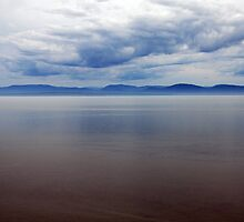 St Lawrence Estuary by Richard  Stanley