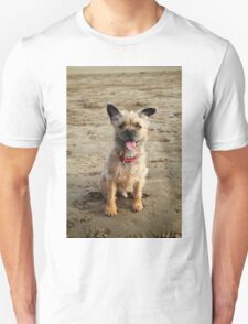 Funny dog on beach Unisex T-Shirt