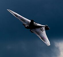 The Delta Lady - Vulcan XH558 by captureasecond