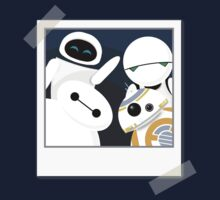 Baymax and Friends Selfie  T-Shirt