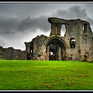 Denbigh Castle, North Wales by Kelvin Hughes