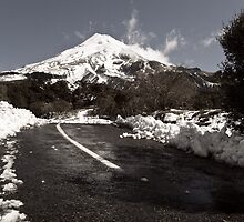 Mount Egmont ( Taranaki), New Zealand by yurix