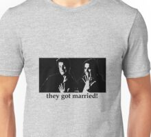 They Got Married (Caskett) Unisex T-Shirt