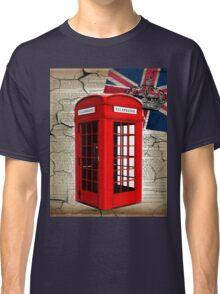 rustic grunge union jack retro london telephone booth Classic T-Shirt