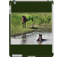 """""""LOOKING AT ME, LOOKING AT YOU""""... prints and products iPad Case/Skin"""