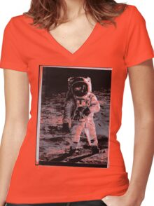 """""""Man (Buzz Aldrin) on the moon 1969"""" T-Shirt etc.... Women's Fitted V-Neck T-Shirt"""
