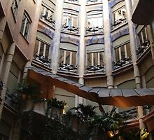 Gaudí: BATLLÓ House by Laspa31