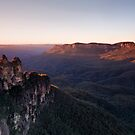 Sunrise at Echo Point, Katoomba by Adriana Glackin