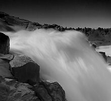 Usari Water Falls by Mukesh Srivastava