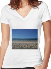 Noosa Beach Women's Fitted V-Neck T-Shirt