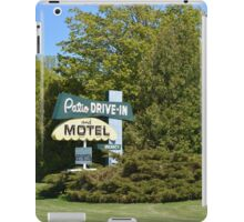 The Patio DRIVE-IN and MOTEL iPad Case/Skin