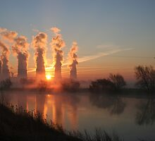 Ratcliffe Power Station at sunrise by Paul Blackwell
