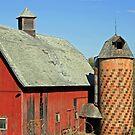 barn in the menomonie, wi area by Lynne Prestebak
