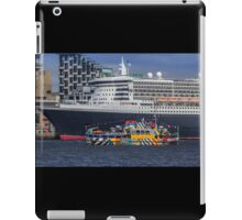 The Queen and the Dazzle Ferry iPad Case/Skin