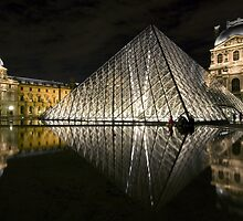France - Paris 75001 by Thierry Beauvir