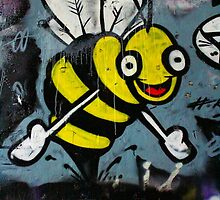 Bumble Bee Hugs - Hosier Lane, Melbourne by mattykb
