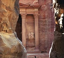 Police Guard in fromt of Treasury (Khazneh), Petra by Petr Svarc