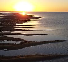 Hervey Bay Early Evening by graemebilly