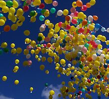 Balloon release at balloon race by susanmcm